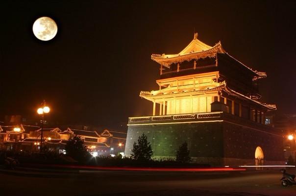 河北邢台清风楼农历八月十五中秋节月色 中国新闻网